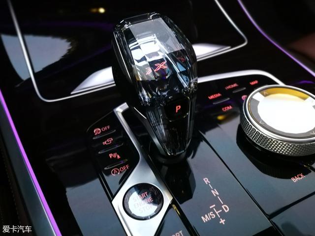新宝马X5将于12月正式上市 第三代抬头显示