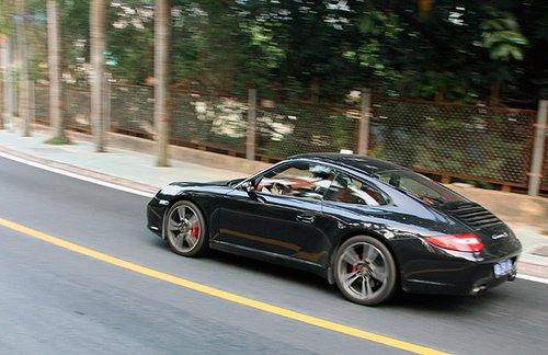 狂飙小跑车 试2010款保时捷911 Carrera S