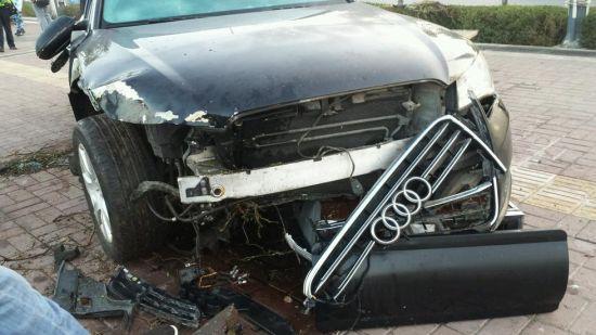 每日猜车 第590期 任性的汽车修理工高清图片