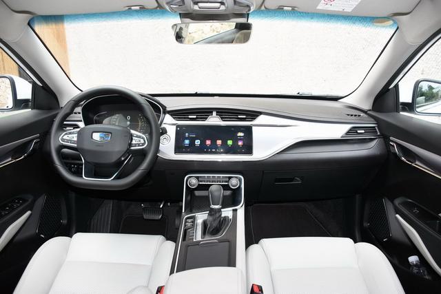 """与合资品牌""""刚正面"""" 四款新自主紧凑级轿车"""