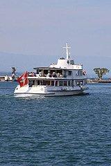 瑞士日内瓦湖畔和船