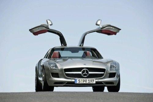 奔驰超级跑车SLS AMG成都车展首发 362.8万
