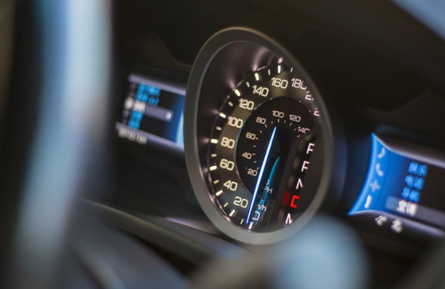 智能汽车跨界融合快速发展 2020年市场规模接近600亿