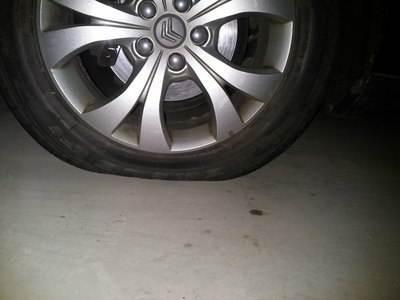 汽车抖动的跟拖拉机一样 到底是哪出了问题