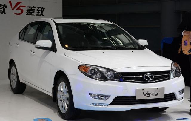 东南2015款菱致成都车展发布 预售7-9万