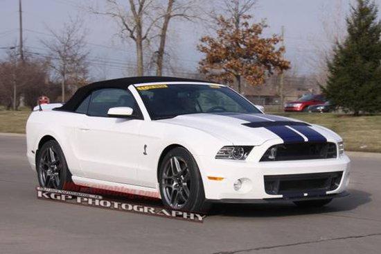 曝新野马Shelby GT500敞篷谍照 有望底特律发布