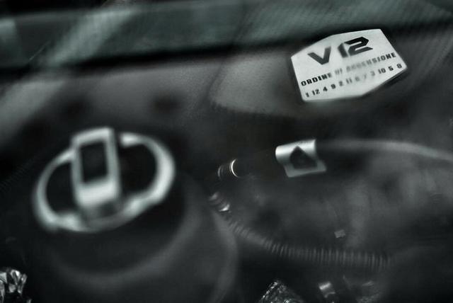 技术武装蛮力 首试兰博基尼全新Aventador S