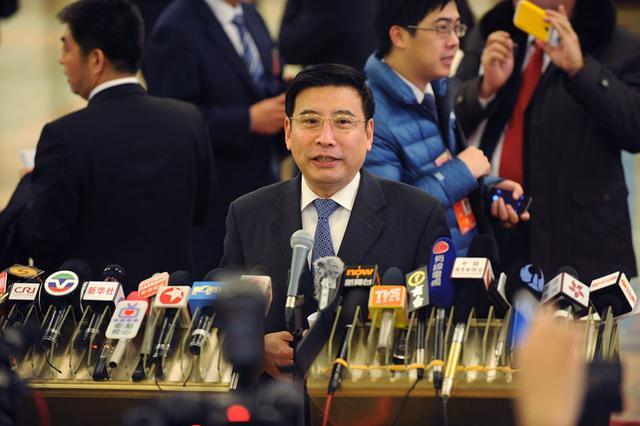 """工信部长苗圩:""""中国制造""""没想象强 落后西方30年"""