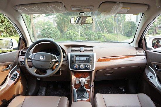 2014款众泰Z300豪华版的内饰设计-2014款众泰Z300售5.8999万元起