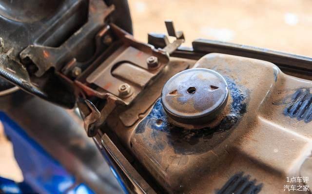 汽车加满油后 为啥后半箱油比前半箱烧得快 老司机说了实话