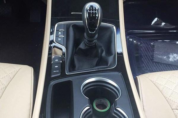 新款宝骏730自动挡车型谍照 或搭载6AT