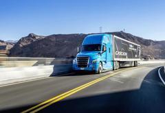 戴姆勒发布L2自动驾驶卡车 将于2019年量产