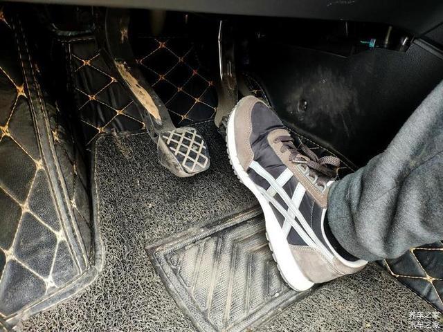 刹车有异响 总被忽悠换刹车片 其实砂纸能搞定