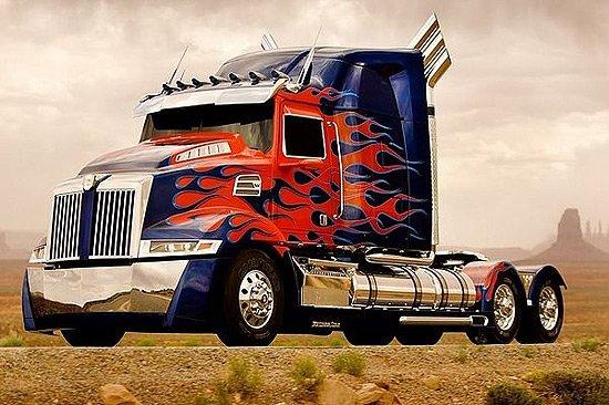 擎天柱将采用戴姆勒集团旗下的western star(西部之星)特别定制的拖车