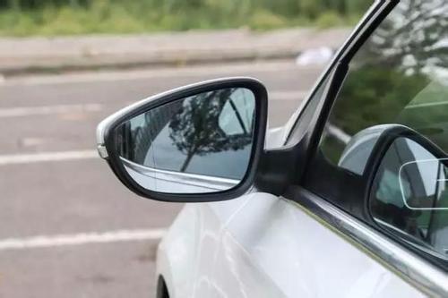 有这5种开车习惯 严重性不亚于油门当刹车!