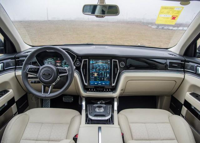 众泰T800于5月8日晚上市 定位中大型SUV