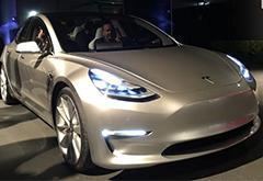 Model 3原型车最新谍照曝光 现身Gigafactory工厂