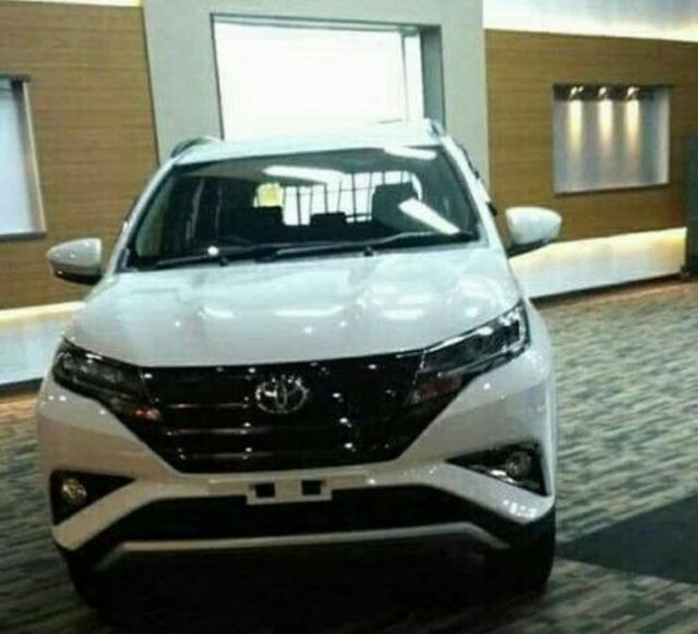 曝丰田Rush预告图 定位小型SUV
