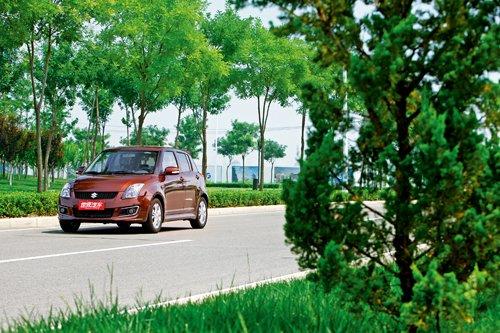 铃木品牌,它所带来的奥拓、雨燕和天语sx4都是小车市场中的高清图片