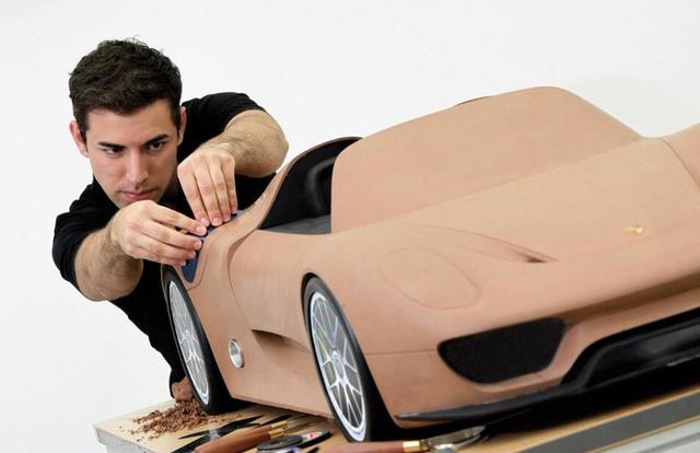 25920个小时 人类造出了一辆汽车!