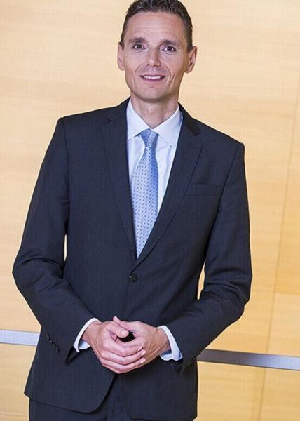 全球最帅的总裁_前宝马副总裁罗兰加盟英菲尼迪任全球总裁