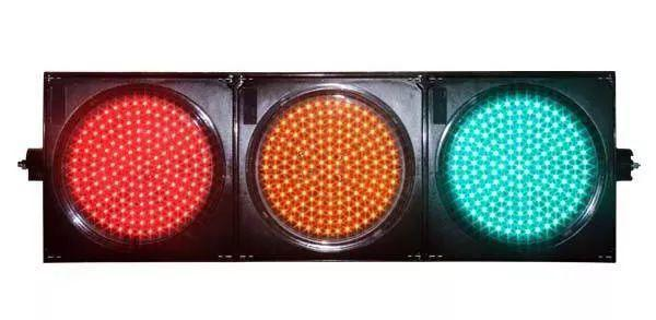 不是說紅燈能右轉嗎 為什么被扣了6分