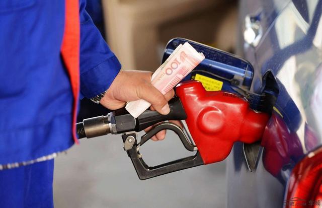 多因素推高国际油价成品油下一轮续涨概率大