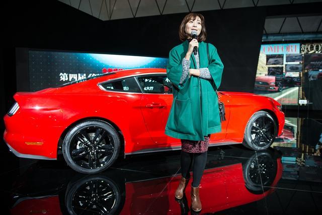 ford mustang woman-跨界艺术家闫威女士-全新福特Mustang跨界艺术展北京站开幕