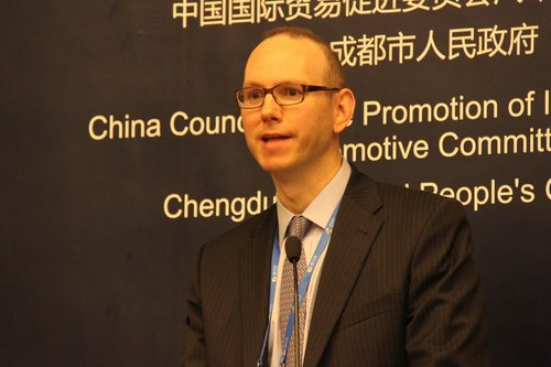 John Casesa:分散的供应商市场需要兼并重组