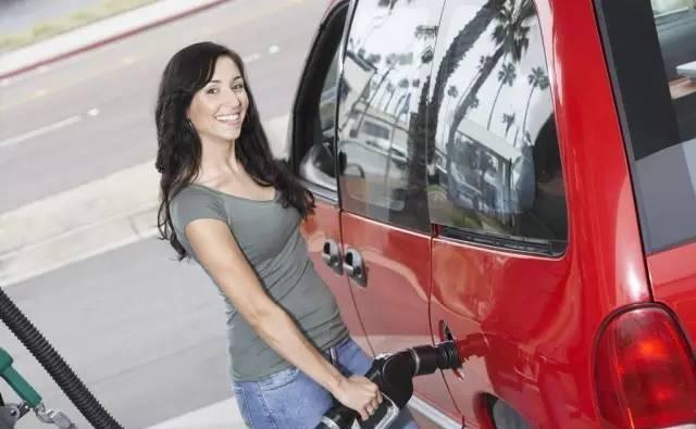 真是浪费 这个功能可以省油20%, 车主上车就关掉它