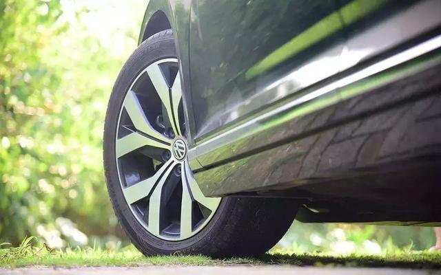 轮胎出现这5种情况 说明该换轮胎了 小心爆胎