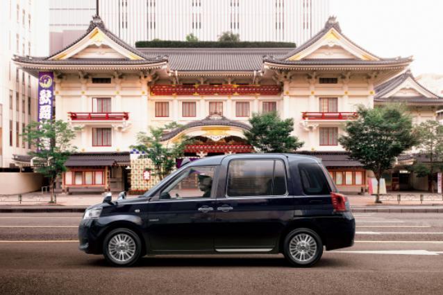 丰田在日本推出新款JPN Taxi 提供车道拥堵信息服务