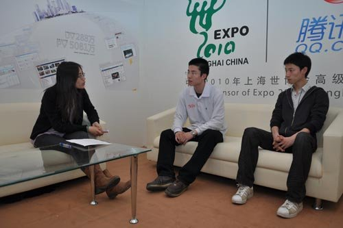大学生采访团:未来城市应完善公共交通