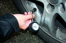 冬季汽车轮胎使用注意事项