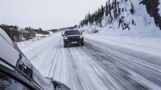 横扫豪华SUV市场 保时捷Cayenne8月29日公布
