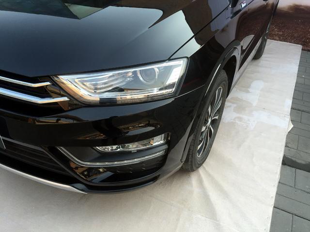 众泰SR7正式上市 售价7.38-10.68万元
