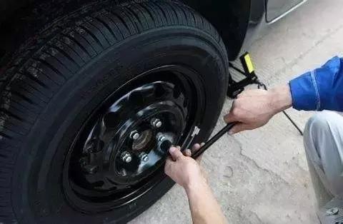 汽车怠速出现问题 这三个部件需要一起换吗