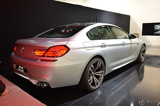 [新车解析]宝马M6四门轿跑亮相 搭4.4T引擎