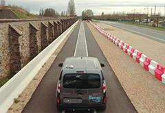 边走边充不是梦 雷诺展示电动车动态充电技术
