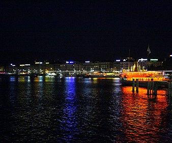 瑞士日内瓦湖边夜景