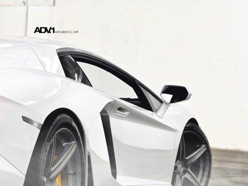 ADV.1为LP700-4打造华丽战靴 完美结合