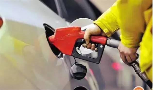 成品油价格疯涨:部分炼厂一天涨价两三次