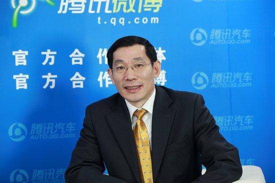 闫建明:进口菲亚特500明年下半年引入中国