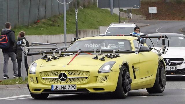 或为EQ超跑? SLS AMG电动版测试用车曝光