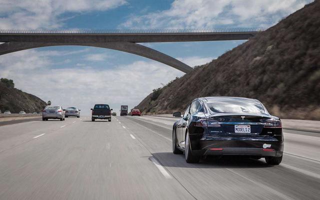 上高速前检查这几个部件 安全驾驶没问题!