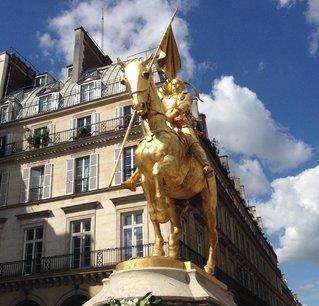 巴黎街头的雕塑