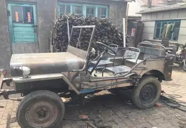 中国最牛大爷 2000块打造美国军用装甲车!悍马也自叹不如!