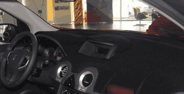 车子中控台用不用装上遮阳垫 老司机分析针针见血