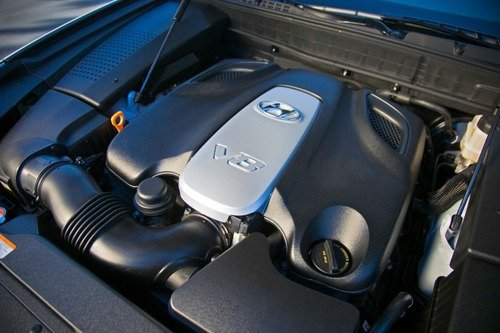 v8发动机高清图片