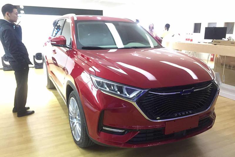 车展探营:个性化外观造型 欧尚X7全新紧凑级SUV实车